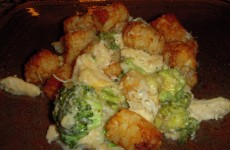 Cheesy Chicken Broccoli Tater Tot Casserole