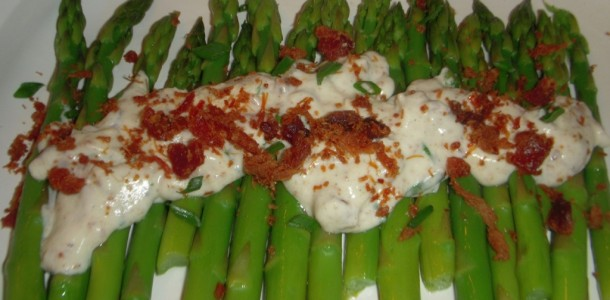 Asparagus With  Goat Cheese Bacon Chive Sauce