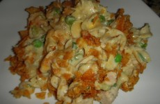 The Best Cheesy Tuna Noodle Casserole