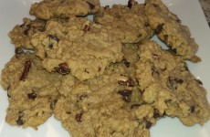 Oatmeal Walnut Chocolate Chip Cookies